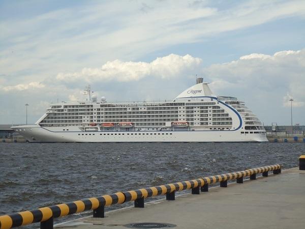 Также порт принял суда Oriana
