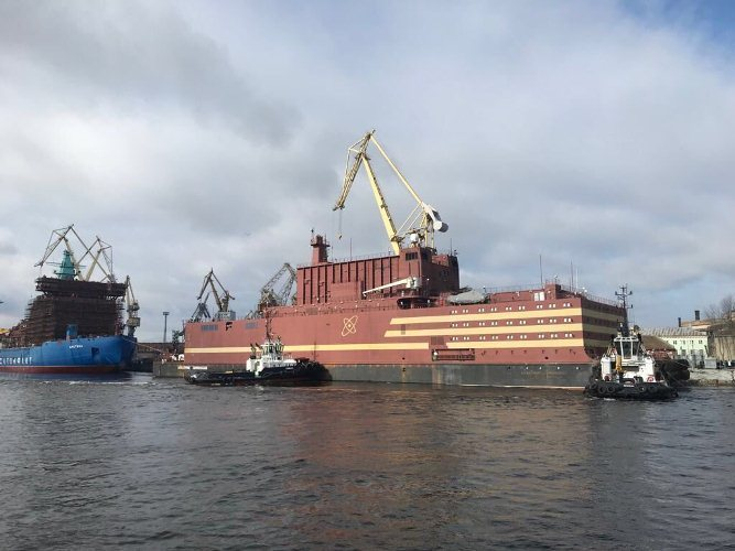 World's first floating nuclear plant sets sail in Russian Federation