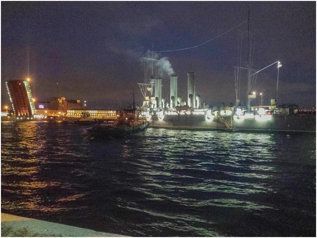 Крейсер «Аврора» вернулся вряды ВМФ РФ