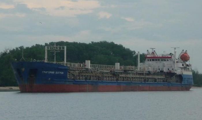 к порту Астрахань (фото)