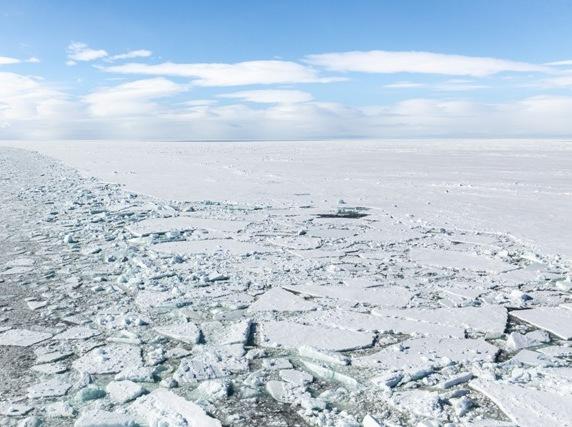 Российские ученые разработали плавучие модули на композитном основании для инфраструктурных объектов в Арктике